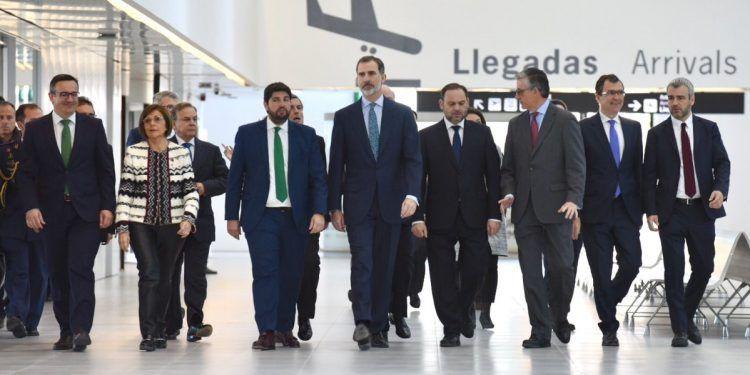 Król Filip VI w otwiera Murcia Corvera. Nowe połączenia lotnicze do Hiszpanii